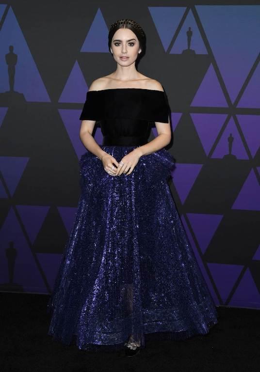 ليلي كولينس مثل الأميرات في فستان من جورج شقرا