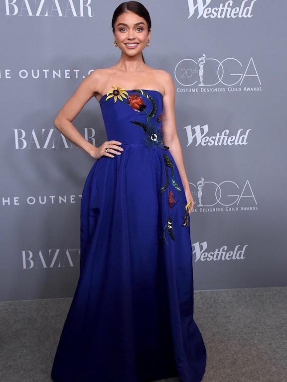 ساره هايلاند في فستان من كارولينا هيريرا