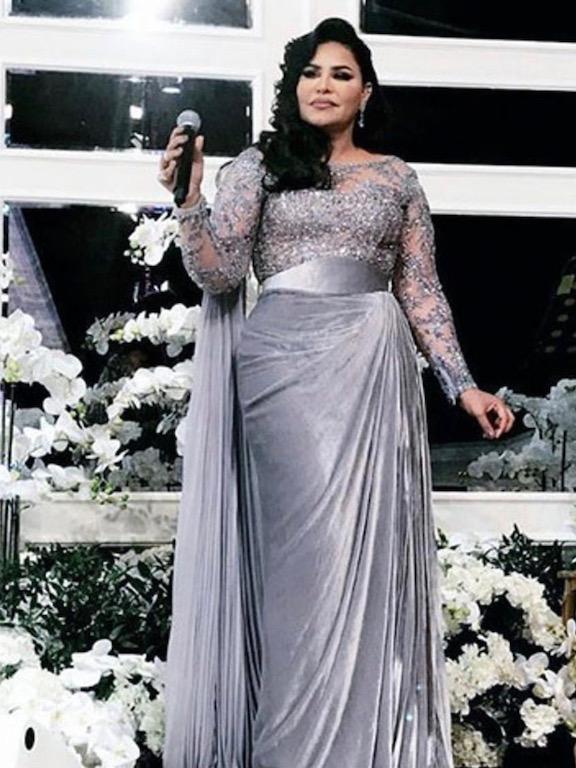 أحلام في فستان مخمل من زهير مراد