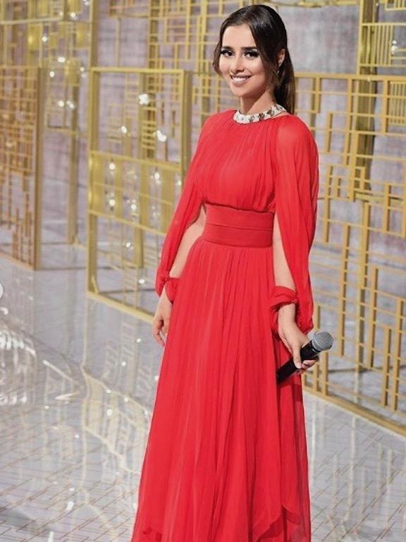 بلقيس فتحي في فستان أحمر من مرمرحليم