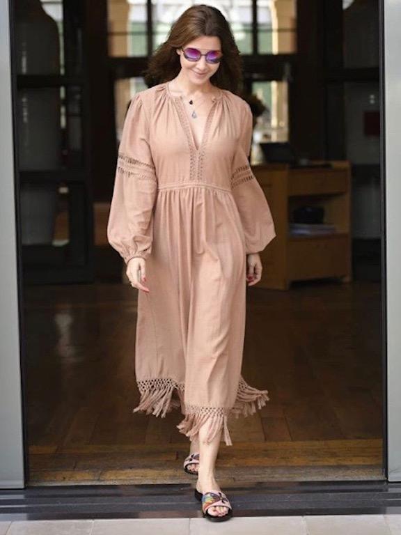نانسي عجرم في فستان بوهيمي ناعم