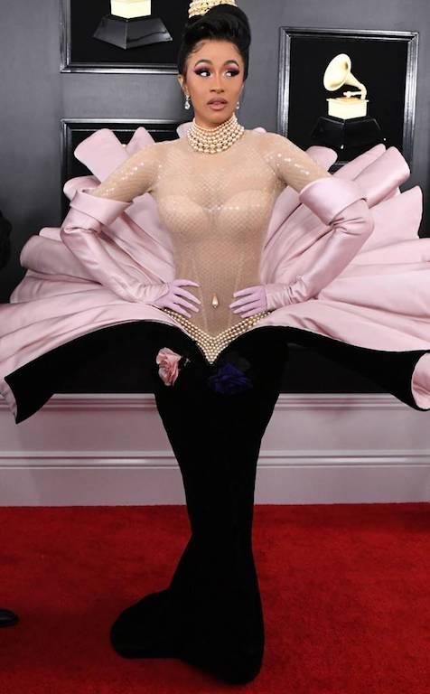 كاردي بي في فستان فنتج من موغلر