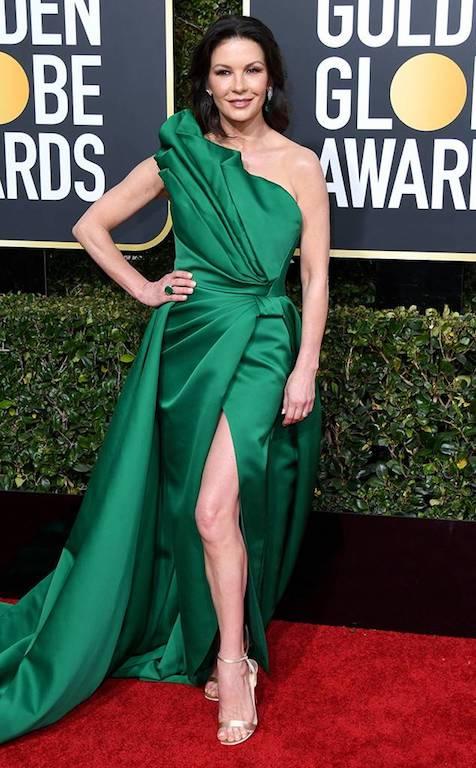 كاثرين زيتا جونز في فستان أخضر من ايلي صعب