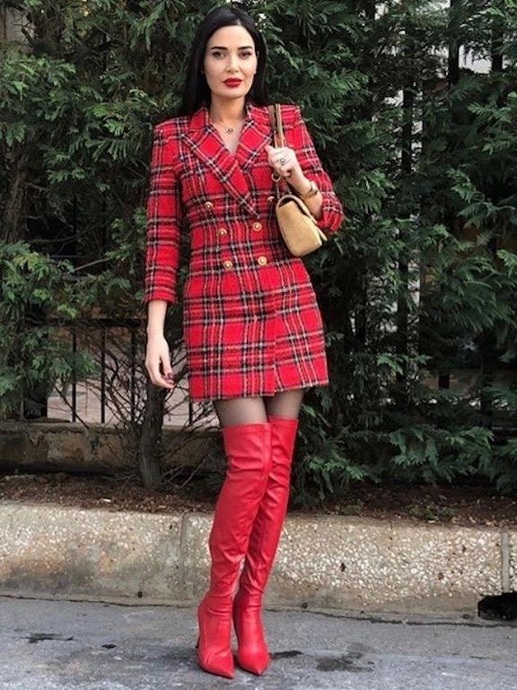 فستان بليزر كارو اختارته سيرين عبد النور