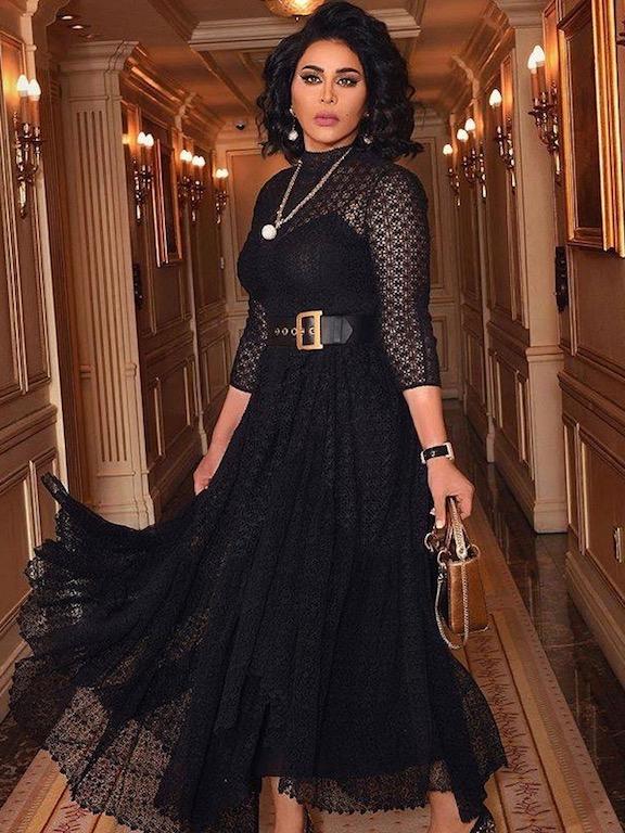 """اطلالة ناعمة لـ أحلام في فستان أسود من """"ديور"""