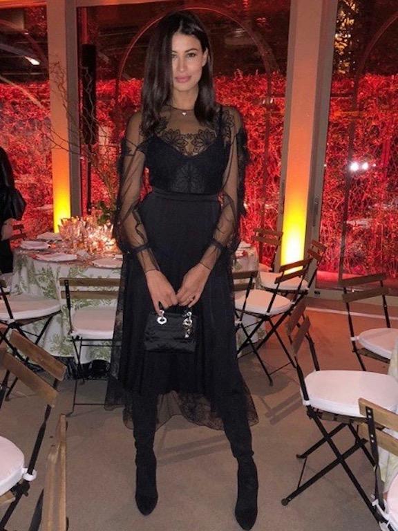 ريم سعيدي في الفستان الميدي