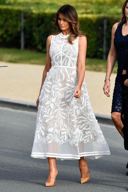 ميلانيا ترامب في فستان من الدانتيل