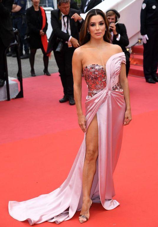 إيفا لونغوريا في فستان من البيرتا فيريتي