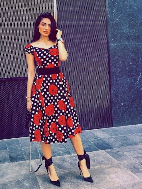 رفيعة الهاجسي في فستان معرق