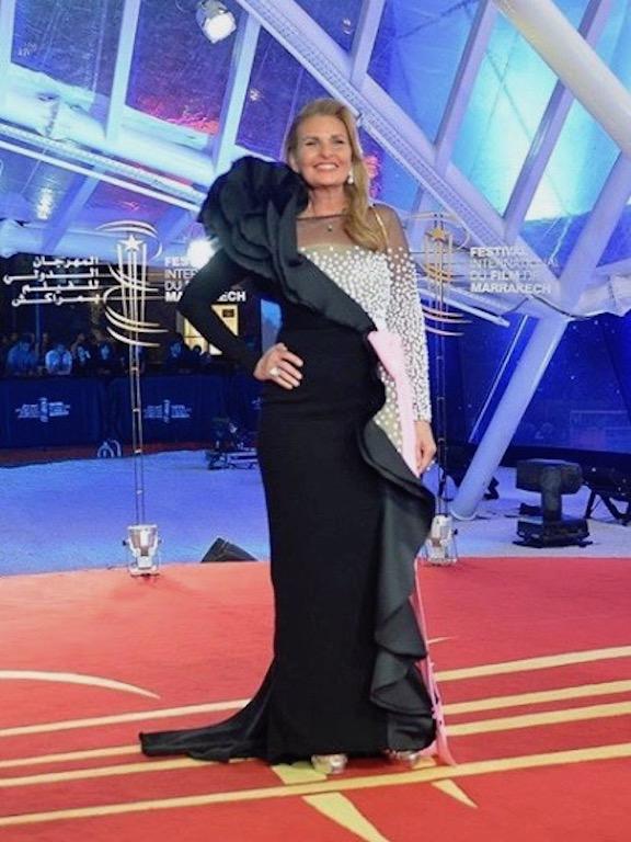 يسرا في فستان من جورج شقرا في أحدث اطلالاتها