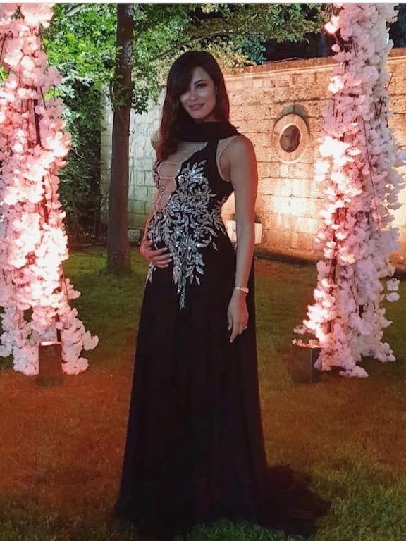 ريم سعيدي في فستان سهرة أسود