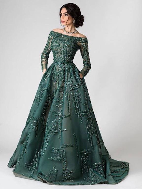 رفيعة الهاجسي في فستان سهرة