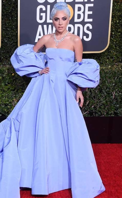 الليديغاغامُبهرة في فستان من فالنتينوValentino