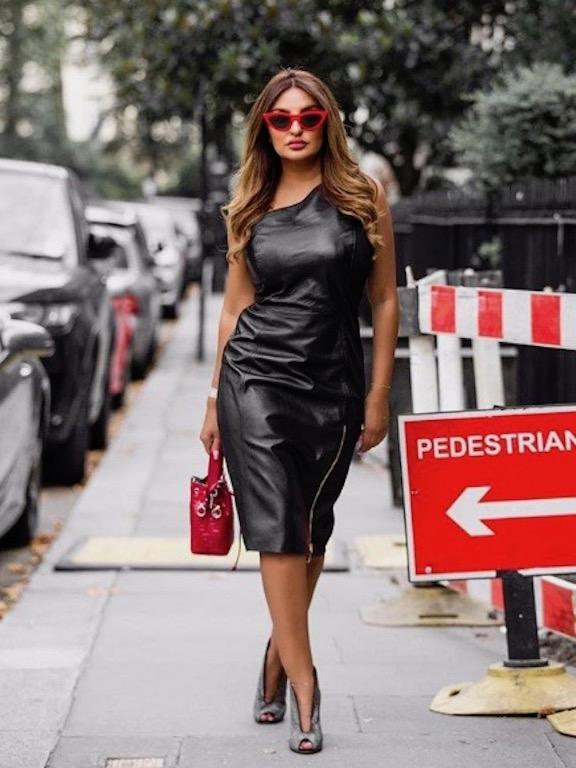 فستان من الجلد الأسود خيار شذى حسون