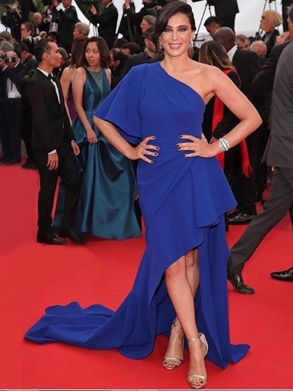 نادين لبكي في فستان أزرق من إيلي صعب