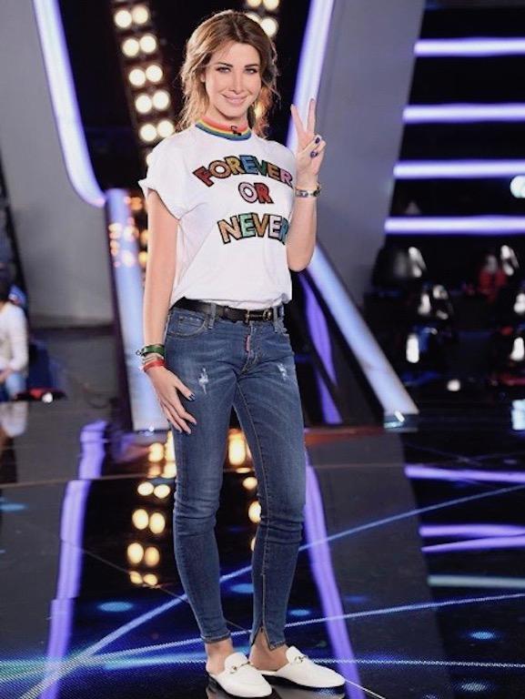 نانسي عجرم في بنطلون جينز