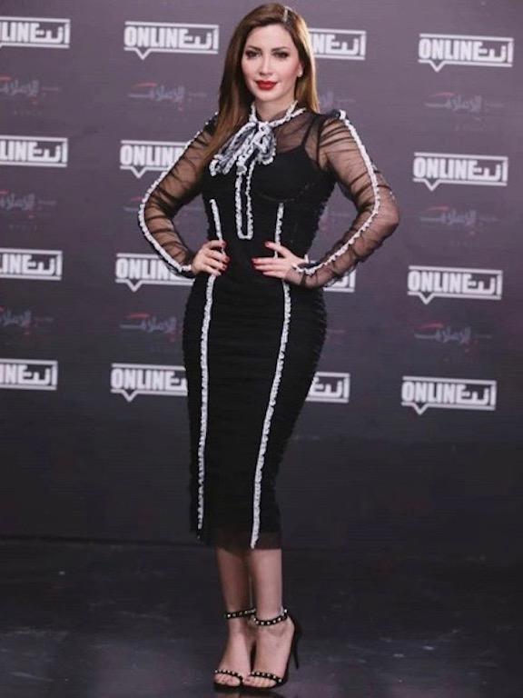 نسرين طافش في فستان ميدي أسود