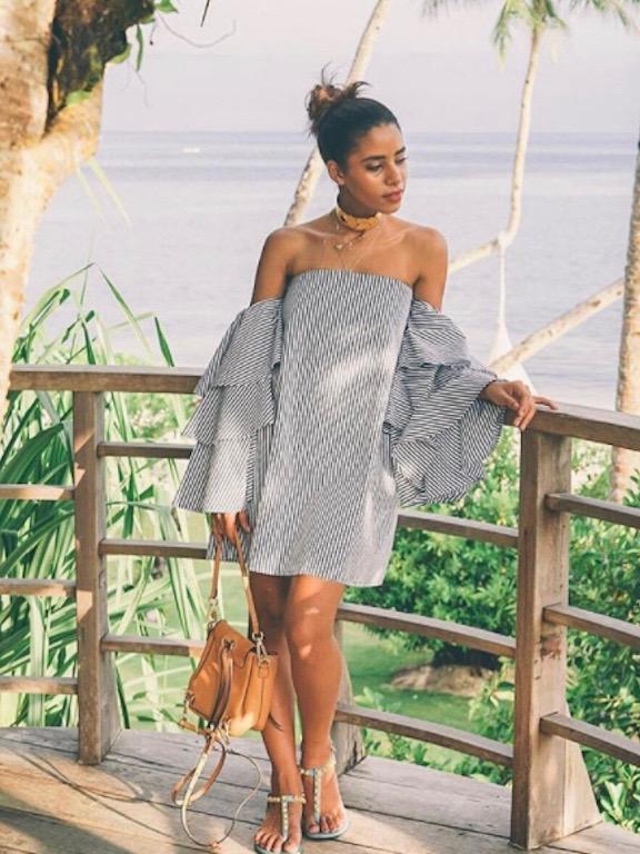 نادية حسن في فستان قصير