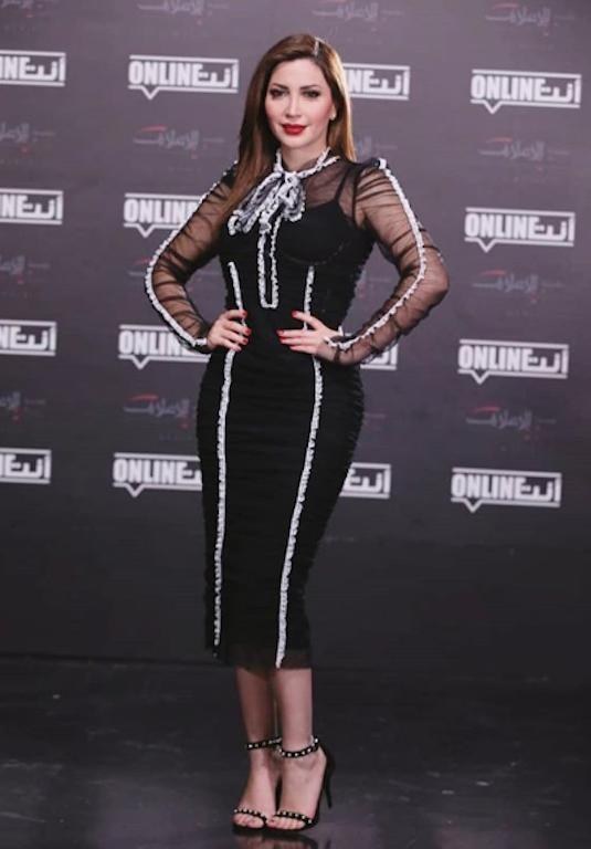 فستان ميدي أسود خيار نسرين طافش لإحدى المناسبات