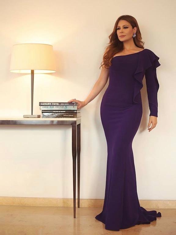 فستان سهرة بنفسجي بقصة الكتف الواحد خيار كارول سماحة