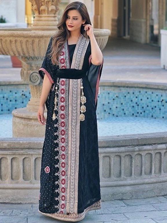 أزياء شرقية بأسلوب شهد الجميلي