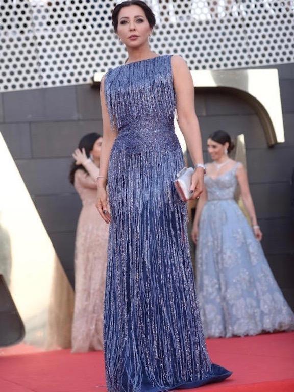 رابعة الزيات في فستان براق في حفل البياف