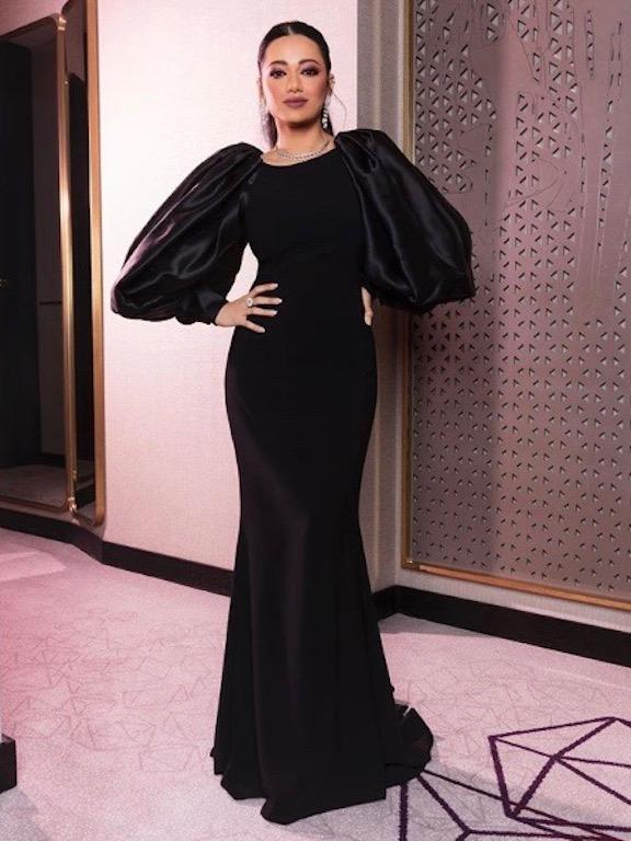 رحمة رياض في فستان سهرة باللون الأسود