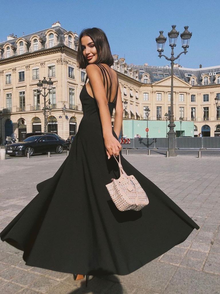 رانيا فواز أنيقة في فستان أسود