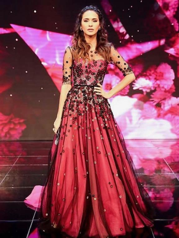 ليلى بن خليفة فستان من ريم عكرا