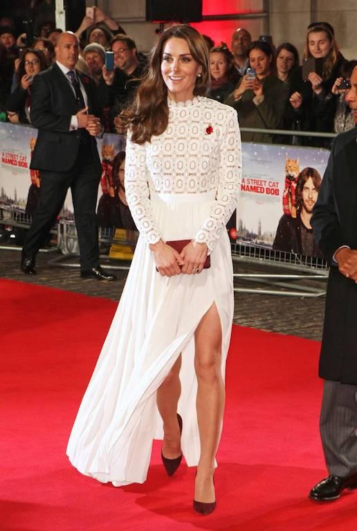 فستان بتصميم شبابي من سيلف بورتريه اختارته كايت ميدلتون