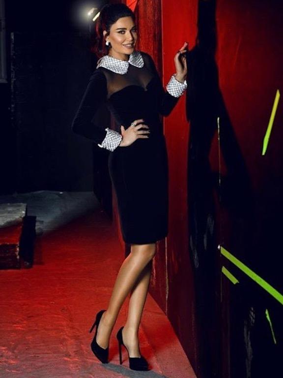 فستان ميدي من توم فوردثاني اطلالات سيرين عبد النور