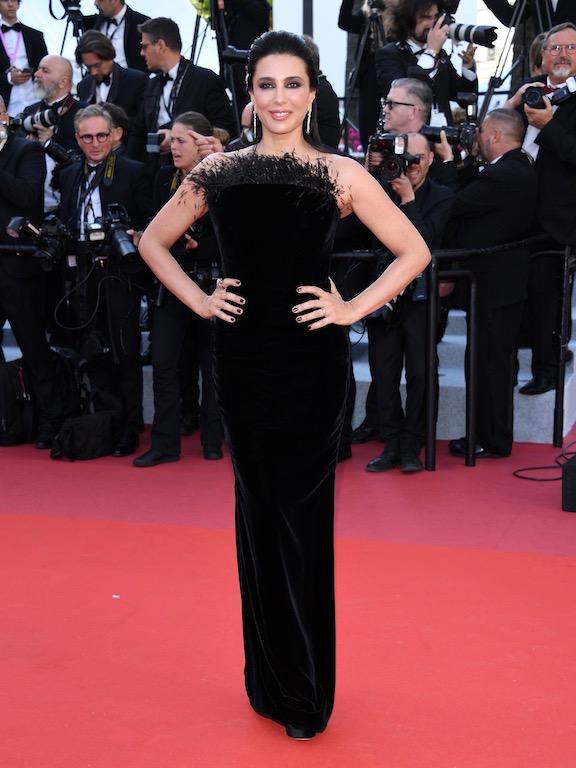 نادين لبكي متألقة في فستان أسود من رالف أند روسو