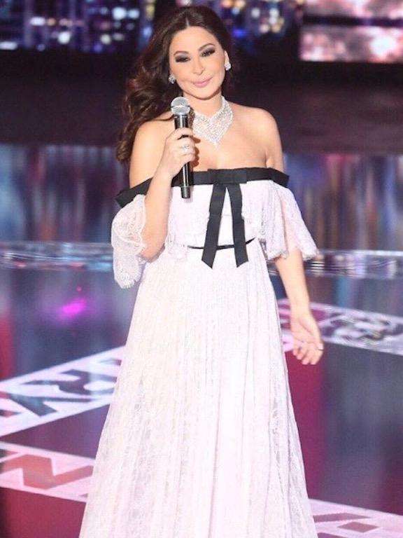 فستان ناعم من جيامباتيستا فالي اختارته إليسا