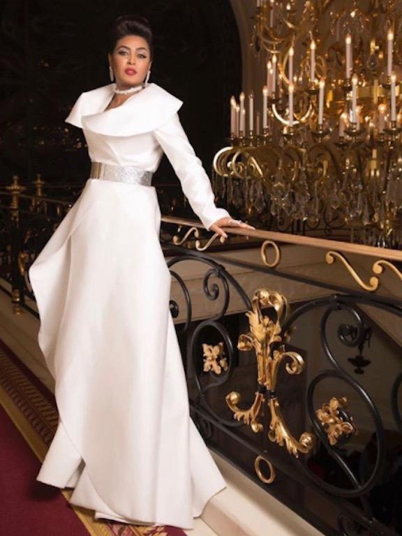 وعد في فستان أبيض