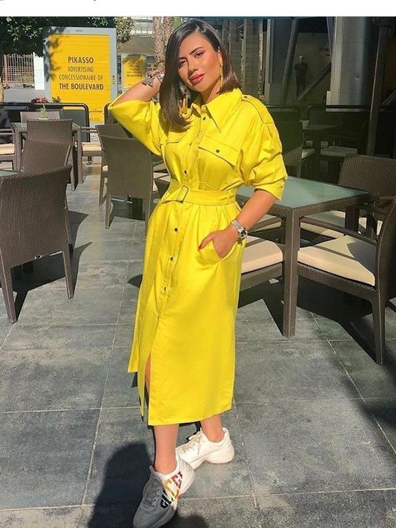 ديما الأسدي في فستان أصفر
