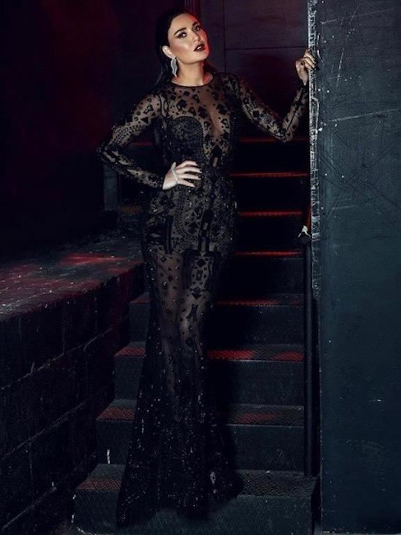 سيرين عبد النور متألقة في فستان سهرة أسود