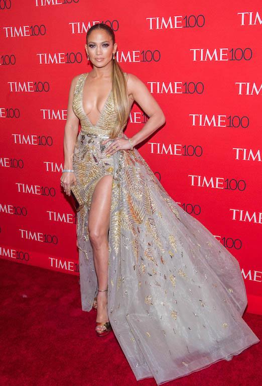 فستان فاخر من زهير مراد تألقت به جنيفر لوبيز