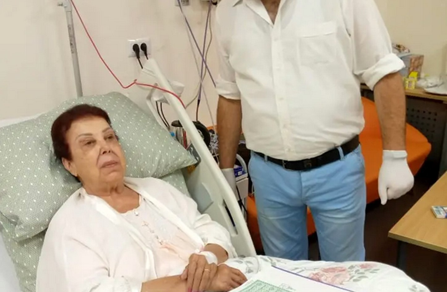 رجاء الجداوي خلال علاجها بمستشفى العزل بالإسماعيلية