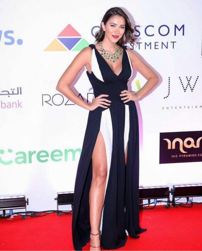 دانيلا رحمة بفستان من زهير مراد