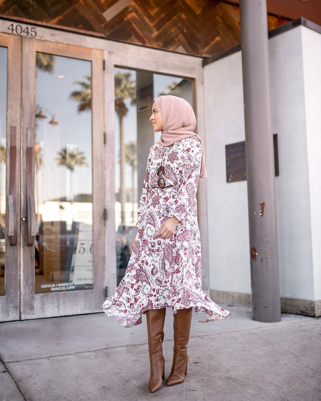 فستان بطبعة paisley للمحجبات