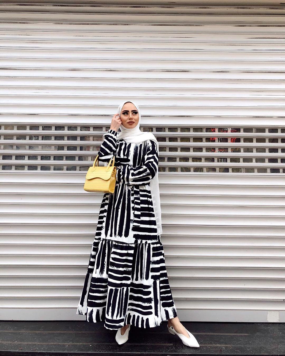 فستان مخطط للمحجبات