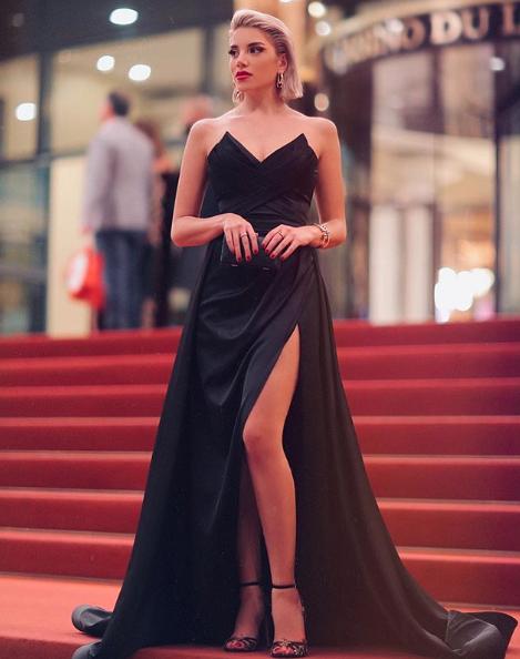 فستان سهرة باللون الأسود