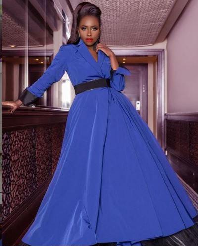 داليا مبارك في فستان أزرق من مرمر حليم