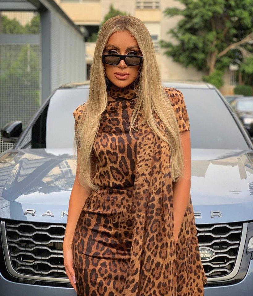 فستان بنقشة النمر اختارته مايا دياب