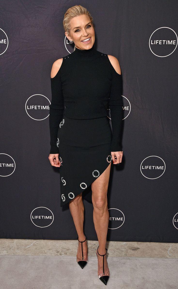 فستان مميز باللون الأسود اختارته يولندا حديد