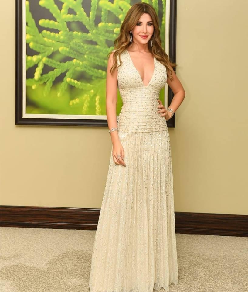 فستان من رامي العلي بتصميم جريء اختارته نانسي عجرم