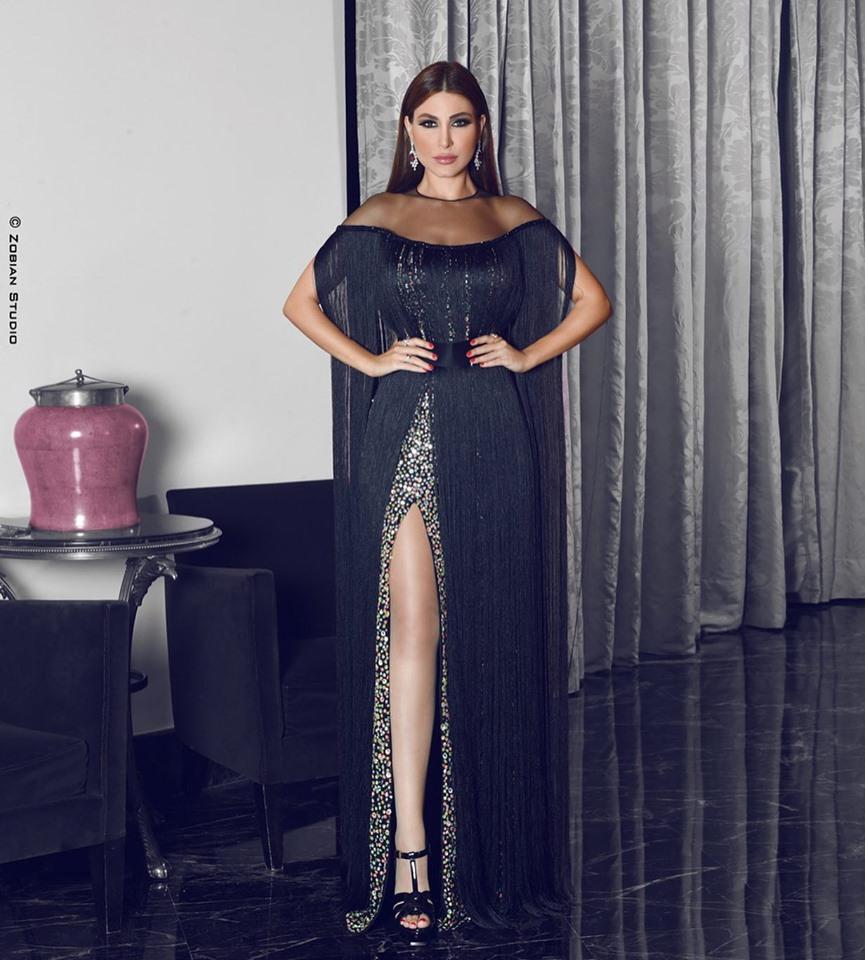 فستان مزين بالشراريب تألقت به يارا
