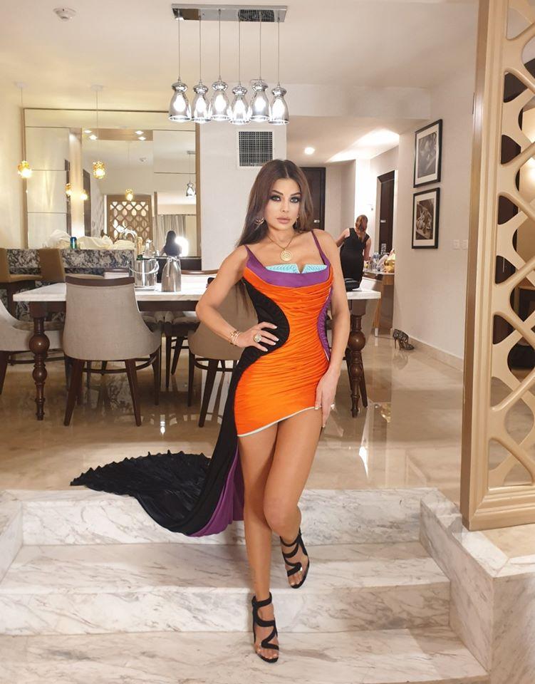 فستان قصير من نيكولا جبران اختارته هيفاء وهبي
