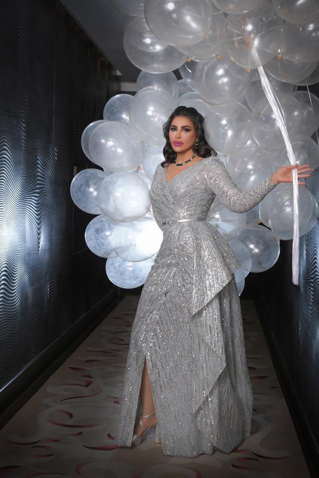 أحلام في فستان باللون الفضي من زهير مراد