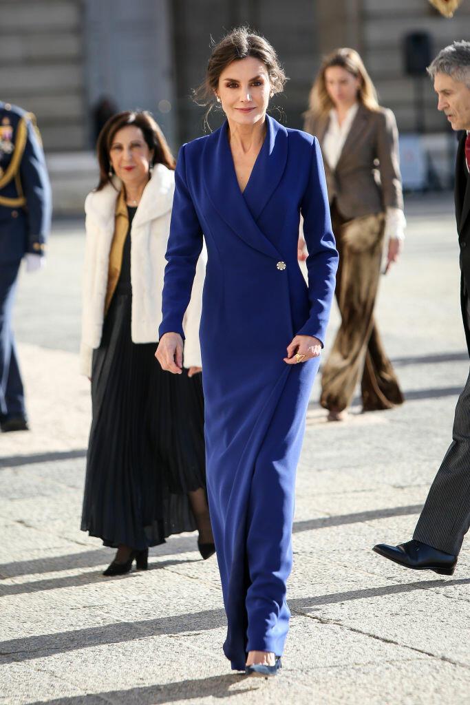 اختارت الأميرة ليتيسيا فستان ماكسي أزرق